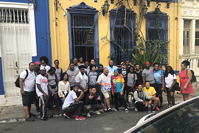 Large group of UWG students and other people on Brazilian street